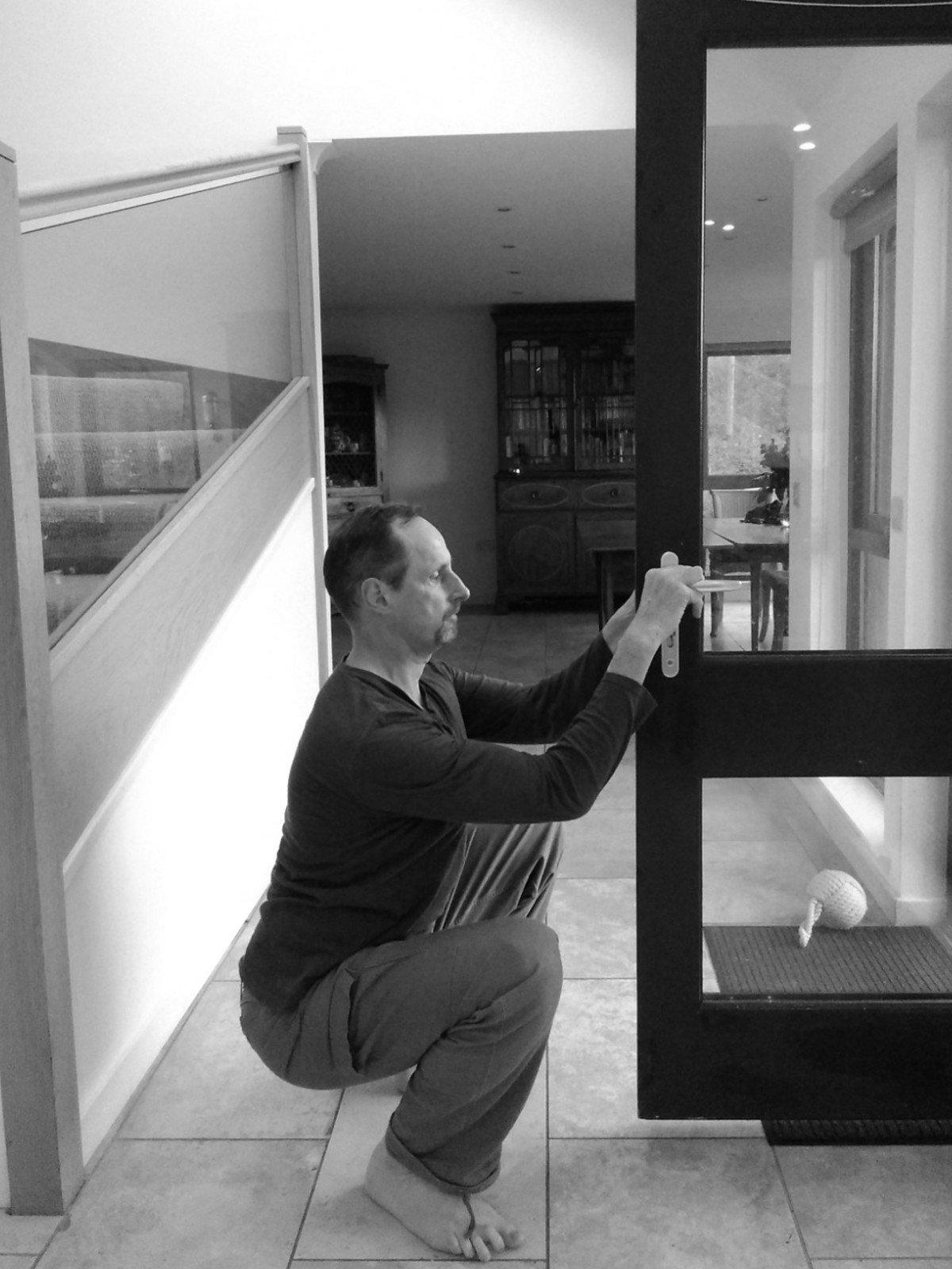 Kettlebell goblet squat Edinburgh kettlebell class